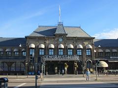 Centralstation, early Saturday morning, Gothenburg, Swedene (Paul McClure DC) Tags: gothenburg göteborg sweden sverige july2015 railroad railway historic architecture