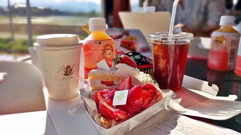 奔馳的咖啡廳,幸福列車水果蛋糕超好吃(4)
