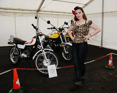 Holly_3780 (Fast an' Bulbous) Tags: bike motorcycle classic show oldtimer girl woman hot sexy chick babe biker boots people leather long brunette hair leopardprint pinup model