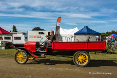 Crank Up 2017- Edendale, Southland (flyingkiwigirl) Tags: crankup crank up edendale southland vintage tractor truck vauxhall steampunk parade traction static engine