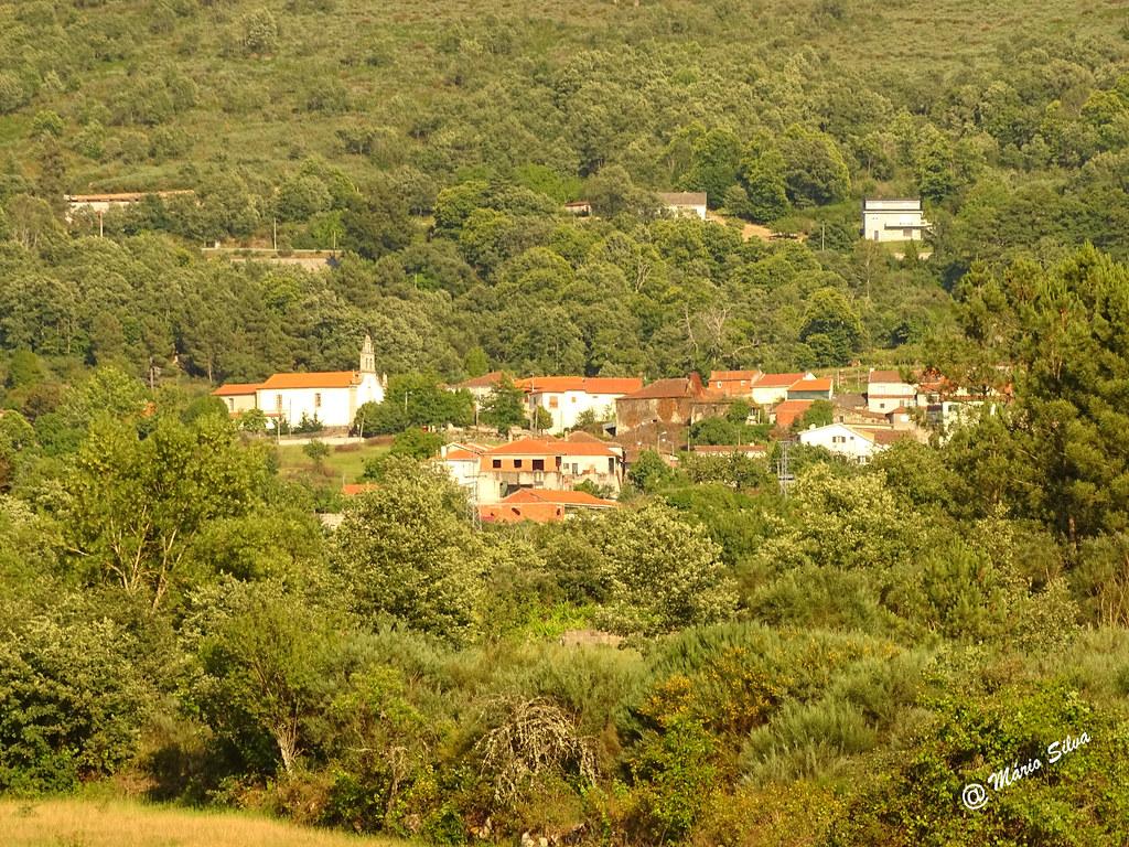 Águas Frias (Chaves) - ...vista parcial da Aldeia ...