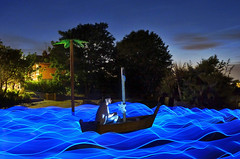 Solo sailer (Stoff74) Tags: sea waves blue mer vague bleu boat bateau solo sailer sailing en solitaire v24 light sword painting eastbourne east sussex england uk