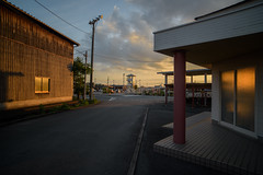 Driving school at dusk. (Yasuyuki Oomagari) Tags: dusk sunset light nikon zeiss distagont2821 tower school cloud ngc