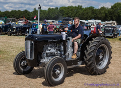 IMG_0178_Woodcote Rally 2017_0223 (GRAHAM CHRIMES) Tags: woodcote rally 2017 steam woodcoterally2017 woodcotesteamrally2017 woodcoterally transport traction tractionengine tractionenginerally steamrally steamfair showground steamengine show steamenginerally vintage vehicle vehicles vintagevehiclerally vintageshow heritage historic classic country commercial preservation wwwheritagephotoscouk restoration woodcotesteam masseyferguson fe235 tractor 1959 425uyt