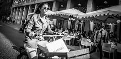 Keeps the balance (Henka69) Tags: street streetphoto monochrome bw city bike biker cykel bicycling milano milan