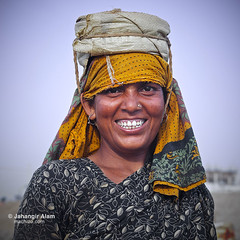 Smiles in Hardship (jalam@machizo.com) Tags: pepole portrait color labour bangladesh worker women