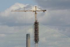 SkyHook (Tony Tooth) Tags: nikon d7100 nikkor 55300mm bridge construction engineering crane skyhook merseygateway runcorn halton cheshire