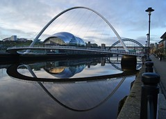 Blinking eye & Sage (WISEBUYS21) Tags: koillisenglannissa pohjois landskap landskab maisema paysage landschaft paesaggio paisaje campo campagne campagna wisebuys21 sage tynebridge reflections shadows mirror millenniumbridge blue rivertyne tyne baltic newcastleupontyne northeastofengland earlymorning shooting water still reflection quayside newcastle boat boats sunrise dawn sun car cars bus lights morning cold church clocktower keep castle gateshead museum art gallery modern royalnavy yacht george robert stephenson highlevelbridge swingbridge redheugh hilton metro bridge citycentre keelman coals history historic