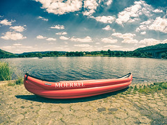 Everything´s Gonna Be Alright (lichtbildung - sapere_aude) Tags: boot boat kanu canoe kanadier canadier gumotexscout fluss river mosel trier goprohero4silver