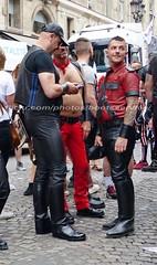 """bootsservice 17 1600611 (bootsservice) Tags: paris """"gay pride"""" """"marche des fiertés"""" bottes cuir boots leather sm motards motos motorcyclists motorbiker caoutchouc rubber uniforme uniform"""