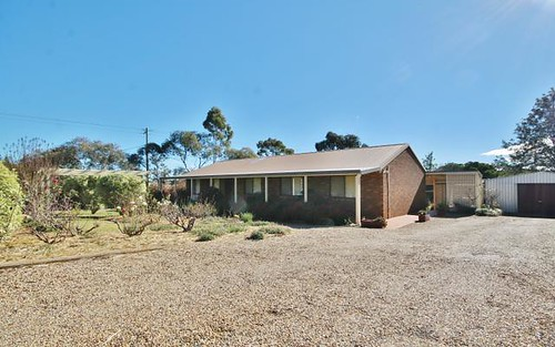 78 Windermere St, Young NSW 2594
