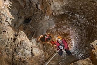 Le large puits - Aven Jacky - Simiane-la-Rotonde (04) - France