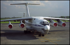 UR-76727 - Oostende Bruges (OST) 13.05.2001 (Jakob_DK) Tags: 2001 ost ebos oostende ostend–brugesinternationalairport ostendairport vre volare volareairlines volareairlinesukraine ilyushin ilyushin76 ilyushin76td il76 il76td candid cargo