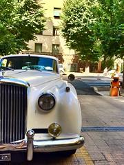 Bentley in città (ioriogiovanni10) Tags: mito vintage car cars muso passato white bentleys2 1960 automobile roma