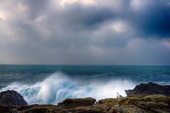 au loin... (delphine imbert) Tags: ocean belleîleenmer bretagne atlantique nature rocher eau vague orage vent