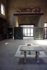 House of the Wooden Partition - Herculaneum, Italy (SomePhotosTakenByMe) Tags: houseofthewoodenpartition house haus hausmitholzzwischenwand indoor urlaub vacation holiday italy italien stadt city ruin ruine ercolano herculaneum herkulaneum