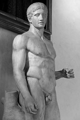 Male Nude (just.Luc) Tags: europa europe escultura estatua sculpture statue statua beeld beeldhouwwerk man male homme hombre uomo nu nude nudo desnudo naakt nackt naked penis pene monochrome monochroom museum musée museo marble marmer marbre marmo marmor monotone homoerotic erotic bw bn zw nb romain roman romeins antiquité oudheid ancienthistory art kunst uffizi uffizimuseum florence florenz firenze florencia tuscany toscana toscane italy italië italia italie italien