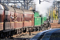 Transport Heritage Expo 2017 - Heritage Loco 3642 has cleared Redfern and heads for the Illawarra dive. (john cowper) Tags: 3642 nswrailmuseum transportheritagensw transportheritageexpo centralrailwaystation redfernrailwaystation lasttrip nswrailways nswgr sydney newsouthwales
