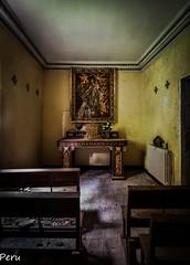 The private chapel (Perurena) Tags: capilla chapel religion catolicismo cristiano bancos madera asientos altar ara imagen icono abandono decay suciedad dirty cruces urbex urbanexplore