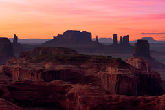 Monument Valley Sunset (Matt Payne Photography) Tags: arizona grandscenic huntsmesa landscape monumentvalley navajoland sonya7r2 sunset colorful desert vibrant