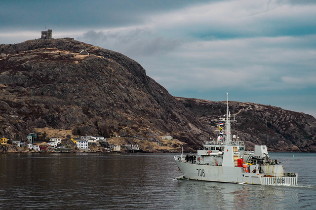 CF Parliamentary Program Sail on HMCS Ville de Quebec