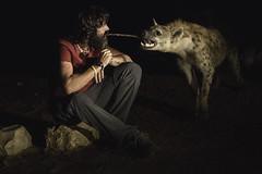 Feeding hyenas at night. Harar, Ethiopia. (Raúl Barrero fotografía) Tags: hiena hyena harar ethiopia animal wild feeding