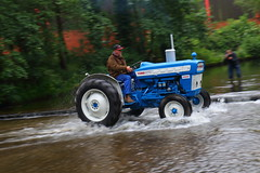 IMG_0454 (Yorkshire Pics) Tags: 1006 10062017 10thjune 10thjune2017 newbyhalltractorfestival ripon marchofthetractors marchofthetractors2017 ford fordcrossing river rivercrossing tractor tractors farmingequipment farmmachinery agriculture yorkshire northyorkshire