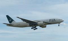 AP-BGJ approaching Heathrow - 7 July 2017 (John Oram) Tags: lhr egll heathrow pakistaninternationalairlines b777 b772 b777200 apbgj 2003p1010467ce