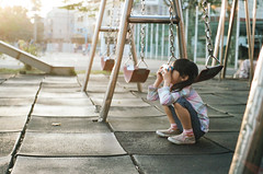 FILM | Little Photographer (藍川芥 aikawake) Tags: film 銀鹽 底片 pentax pentaxlx warmlight kid child littlegirl littlechild light photographer play enjoy awesome magic atmosphere school park cute profession