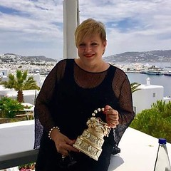 When The Wedding Cake is on The Go on MYKONOS Island!!! My Lovely Wedding Cake Handbag... The Perfect Gift!! Thank You My Sweet Friends @therealmontedurham @bridalgirl80 @bridalsbylori #wedding #weddingcake #mykonosisland #mykonos #picoftheday #like4like