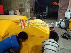 Karoseri Kontainer Sampah Fiber Besi – Harga Pabrikan Murah (Ramdhani Jaya) Tags: news karoseri kontainer sampah