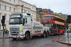 Soverign Recovery GJ15PHN & Arriva London LT351 LTZ1351 (Will Swain) Tags: seen hyde park corner 27th april 2017 greater london capital city south east bus buses transport travel uk britain vehicle vehicles county country england english arriva lt351 ltz1351 351 soverign recovery gj15phn