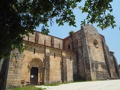 Iglesia del antiguo Monasterio de Carboeiro. (lumog37) Tags: monasterios monastery iglesia church romanesque románico arquitectura architecture
