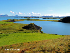 Iceland: Lake Mývatn (mariofalcetti) Tags: iceland islanda mývatn lake lago water acqua landscape paesaggio