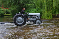 IMG_0440 (Yorkshire Pics) Tags: 1006 10062017 10thjune 10thjune2017 newbyhalltractorfestival ripon marchofthetractors marchofthetractors2017 ford fordcrossing river rivercrossing tractor tractors farmingequipment farmmachinery agriculture yorkshire northyorkshire