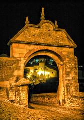 Puerta arco de entrada en Ronda, Málaga. (eustoquio.molina) Tags: arco puerta arc door ronda málaga nocturno
