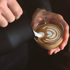 Latte Art Tulip (vale.rizze89) Tags: 50mm valeriorizzelli valeweb89 cappuccino latteart coffee