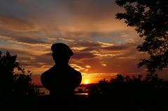 Haldun Bey's view of the sea (JB Fotofan) Tags: istanbul turkey türkei türkiye sunset sonnenuntergang günbatımı güneş kadıköy moda meer sea deniz silhouette schatten shadow abend evening lumixfz1000