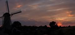 Zonsondergang De Eersteling, Hoofddorp (Hans Westerink) Tags: hoofddorp noordholland nederland nl sunset molen mill windmill zon zonsondergang wolken clouds paysbas hanswesterink canon stitched lightroom