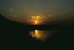 DR2-065-31 (David Swift Photography Thanks for 22 million view) Tags: davidswiftphotography newjersey capemaycounty sunset water marsh rivers nature 35mm seashore jerseyshore fujicolor nikonfm2 film