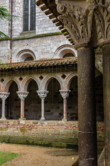 Rainy day at the cloister (andbog) Tags: sony alpha ilce a6000 sonya6000 emount mirrorless csc sonya sel sonyα sonyalpha sony⍺6000 sonyilce6000 sonyalpha6000 ⍺6000 ilce6000 architettura architecture building edificio handheld apsc arch archi arches oss 1650mm selp1650 it medieval unesco abbeychurch abbey abbazia cloître chiostro cloister colonne columns columnas capitelli capitals abbayesaintpierre romanico romanesque moissac tarnetgaronne occitanie france francia fr midipyrénées rainy rain pioggia
