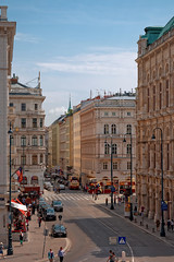 Vienna /  Philharmoniker Straße (Pantchoa) Tags: vienne autriche rue façades architecture nikon d7200 18140 photoderue streetshot philharmonikerstrase