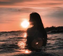 S U N   .   B R E A T H (Räi) Tags: vietnam bella sunset iphone