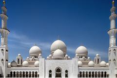 (ilConte) Tags: abudhabi uae unitedarabemirates emiratiarabiuniti architettura architecture architektur moschea mosque sheikhzayedgrandmosque