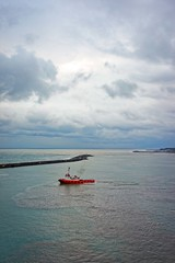 Red Tug Day (Rice Bear) Tags: a7r alpha sel35f28z sony trabzon turkey aqua blue boat clouds cloudy cruise morning port red sea tug tugboat tr