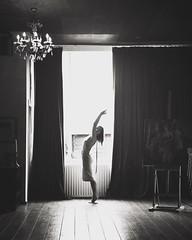 The window (soleá) Tags: dezaal soleá carmengonzález guapa chica mujer contraluz ventana bailar elegantly elegant womaninfrontofwindow portrait model woman yoga dancer backlight window