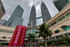 KLCC Park-Kuala Lumpur Malaysia (Jutta M. Jenning) Tags: malaysia kualalumpur petronas twintowers petronastwintowers hochhaus hochhaeuser architektur turm tuerme stadt staedte haus haeuser wolkenkratzer strasse strassen wolken sehenswuerdigkeiten klcc park asien asia see skyline