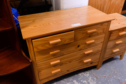 Natural pine chest of drawers E85
