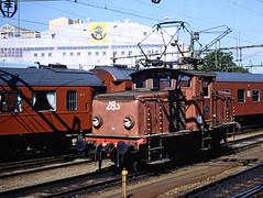 SJ, Gothenburg, Ostlandet, Norway, 1989 (railphotoart) Tags: oslo stillimage goteborg ostlandet norway 35mm slide