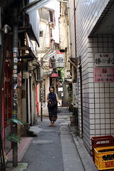 photowalk with my friends. (cate♪) Tags: alley narrow smile
